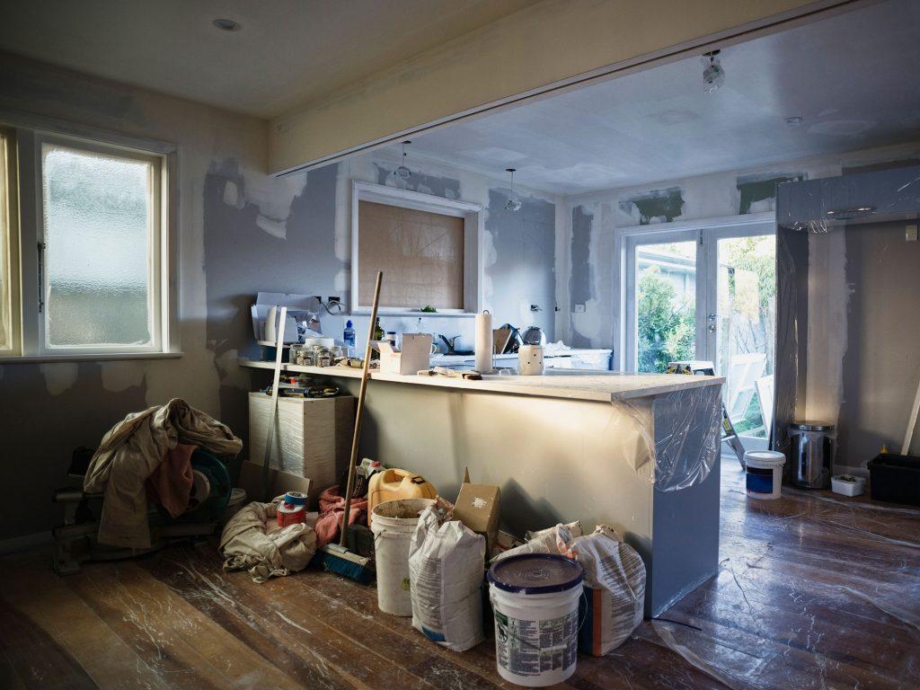 Ristrutturare Un Tetto Quanto Costa quanto costa ristrutturare una casa? sogek